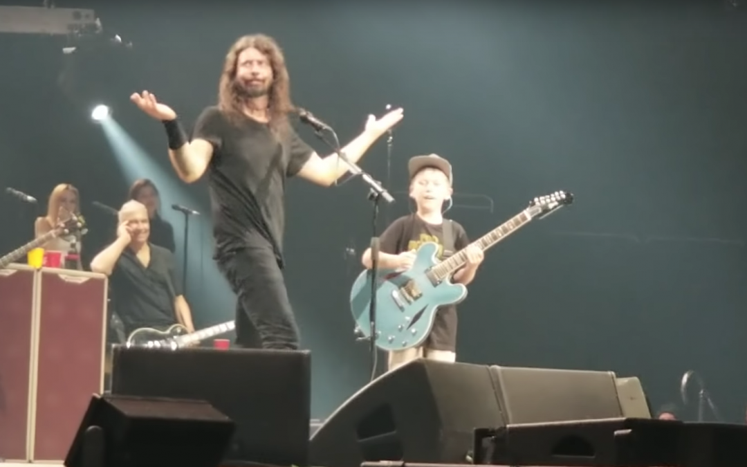 El nuevo guitarrista de Foo Fighters tiene 10 años y toca temas de Metallica