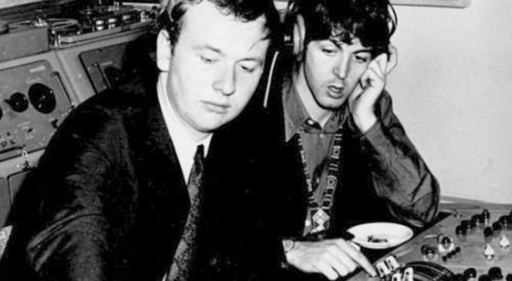 Murió Geoff Emerick, el gran ingeniero de sonido de The Beatles